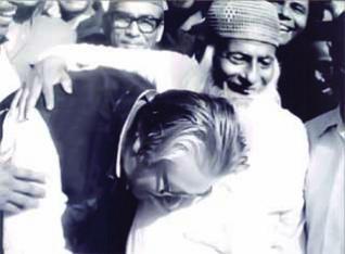 মজলুম জননেতা মওলানা আব্দুল হামিদ খান ভাসানীর ৩৫তম মৃত্যুবার্ষিকী আজ।